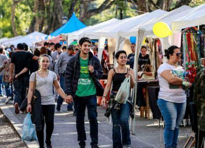 Feria artesanal solidaria