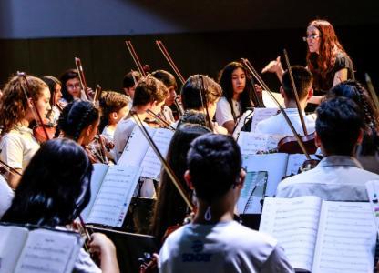 Concierto de la Escuela Orquesta Barrio Ludueña