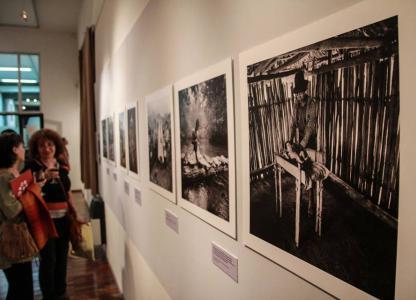 Exposición Cultura y Resistencia. Memorias del pasado reciente de Guatemala, Perú, El Salvador y Nicaragua muestra fotográfica de Jonathan Moller.