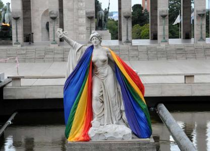 Charla: Crianzas y familias diversas en sociedades heteronormativas