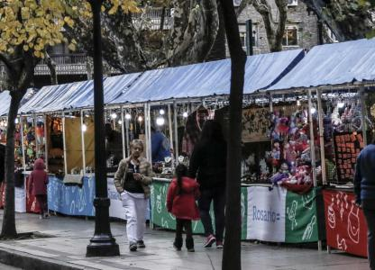 Feria artesanal de invierno Muy Rosarina