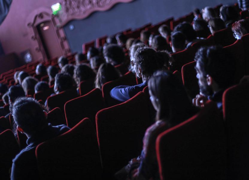 Público participando de una proyección