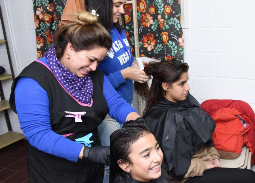 Curso de peluquería en el Centro de capacitación Las Flores