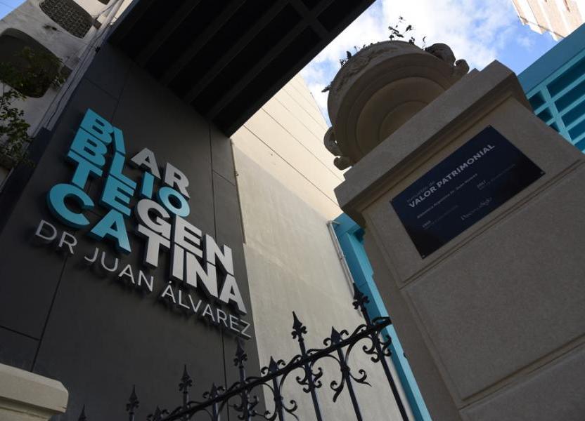 Entrada Biblioteca Argentina Dr. Juan Álvarez
