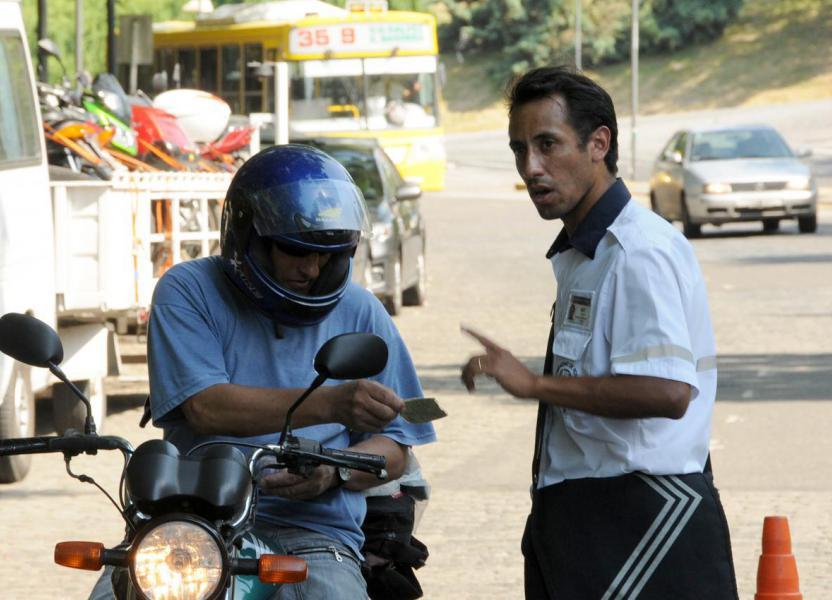 Consulta de multas de tránsito por vehículo
