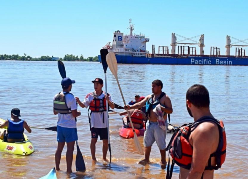 Kayak y río
