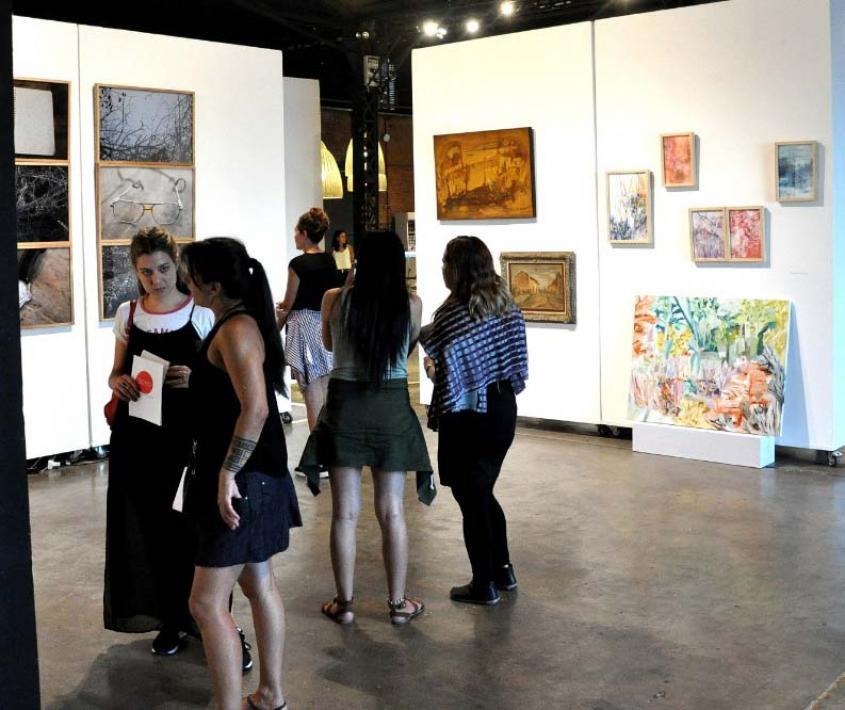 Interrupciones. Fallas, deseos y tomas de posición en torno al mercado del arte en Argentina