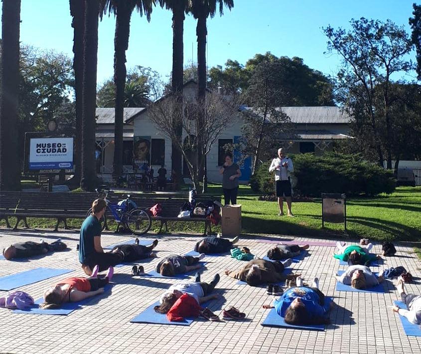 Yoga en el Museo al Paso