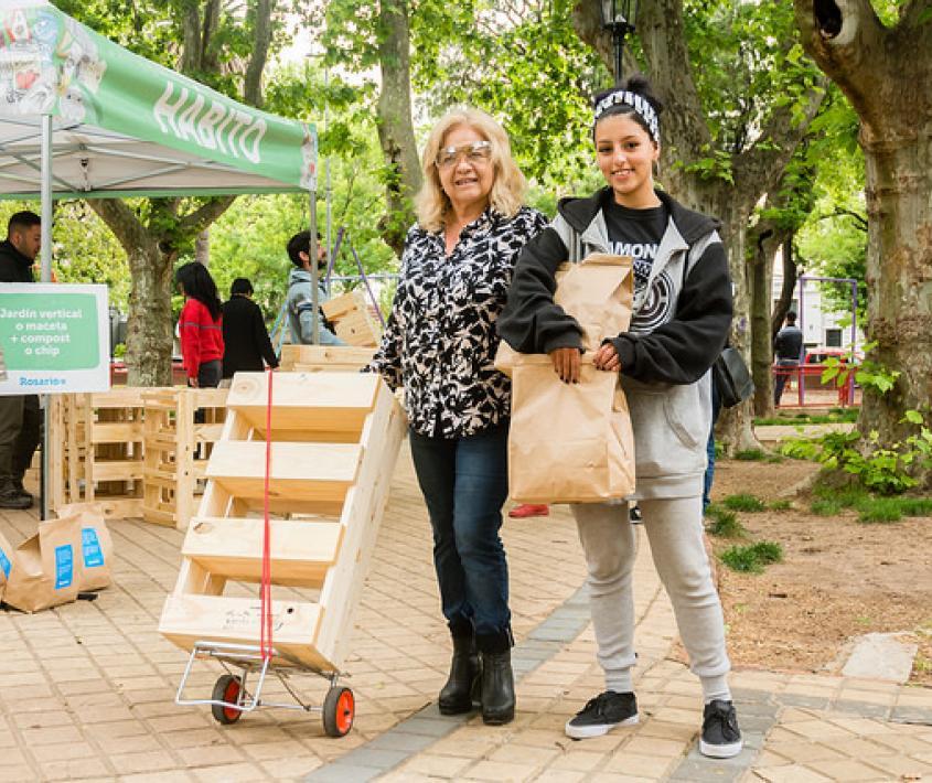 Canje de materiales reciclables en Plaza Libertad