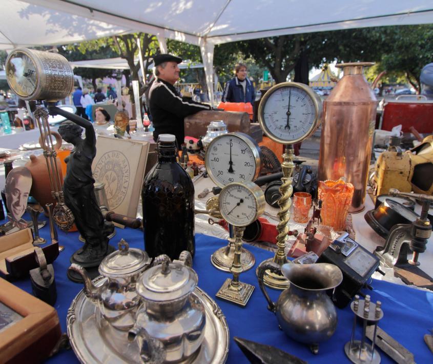 Mercado de antigüedades Retro La Huella