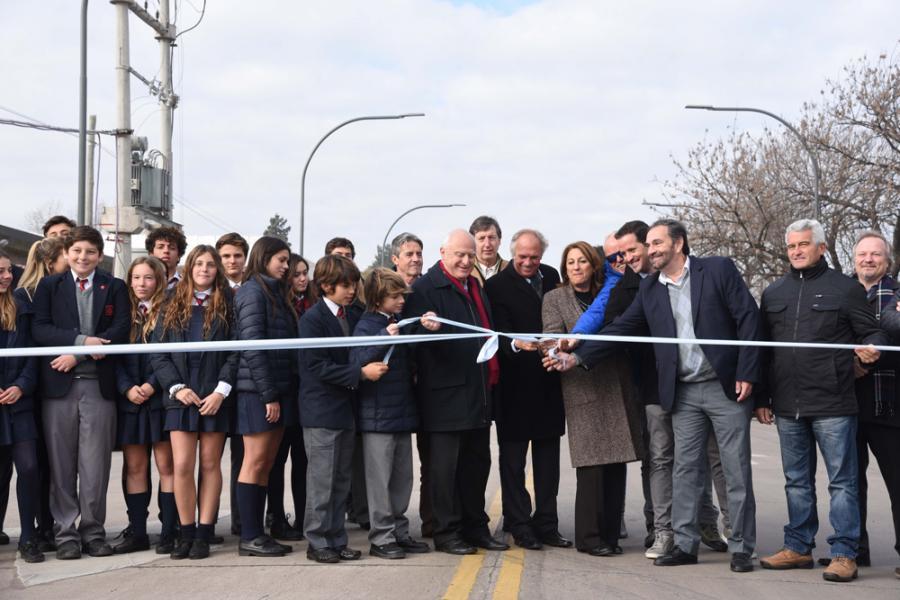 Inauguración avenida Wilde