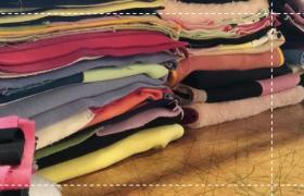 Torres de telas de mantas colectivas 100 por 100 abrazos