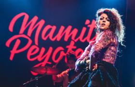 Cantante de Mamita Peyote
