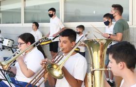 Integrantes de la Banda Infanto Juvenil Rosa Ziperovich tocando