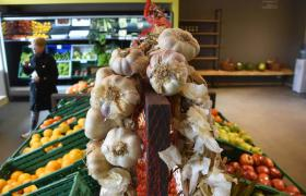 En el Mercado del Patio se comercializan alimentos de producción local y regional