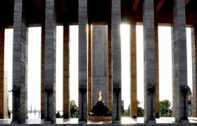 Propileo - Monumento Nacional a la Bandera