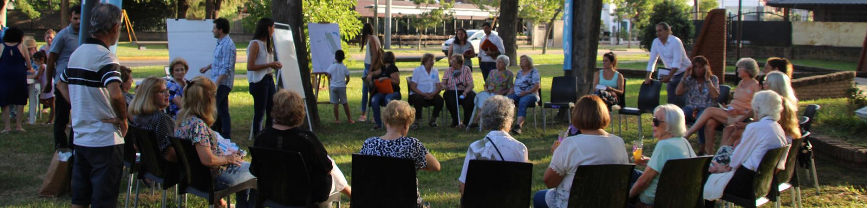 Consejo barrial en Plaza Cossettini