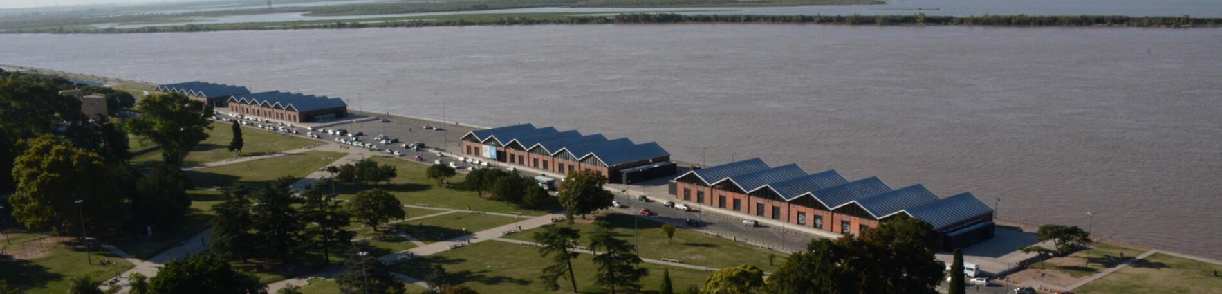 Vista aérea de la franja del río