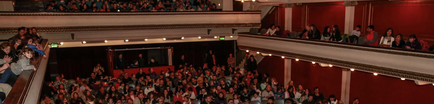 Público Teatro La Comedia